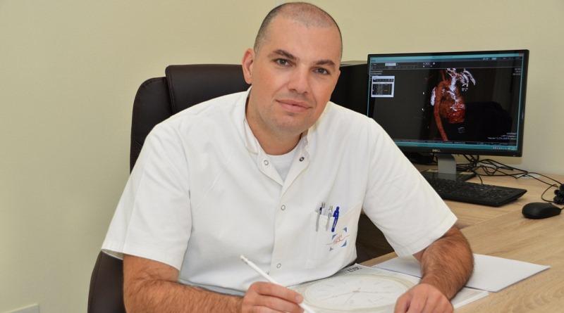 INTERVJU: dr.med.sci. Mustafa Tabaković, načelnik Klinike za kardiovaskularnu hirurgiju UKC-a Tuzla o zahvatima, listama čekanja za pacijente…
