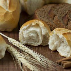 Udruženje Pomozi.ba će u narednom periodu podijeliti oko 100 tona brašna najugroženijim kategorijama stanovništva
