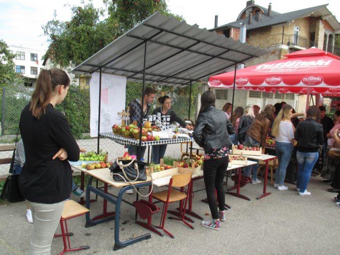 U Sapni manifestacija 'Dan jabuke i pekmeza'