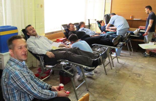 Izvor Selsebil: Rekorder darivanja krvi Omer Mešić