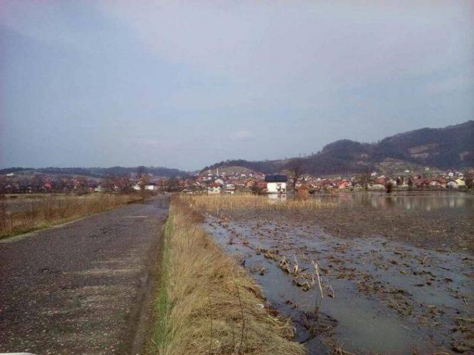 Poplavljeno oko 140 hektara poljoprivrednog zemljišta