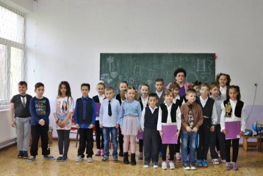 Područna škola ˝Tabaci˝ dobila opremu i fiskulturnu salu