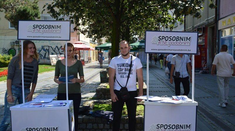 U Tuzli ulična akcija 'Pošteni javni konkursi – jednaka šansa svakome'