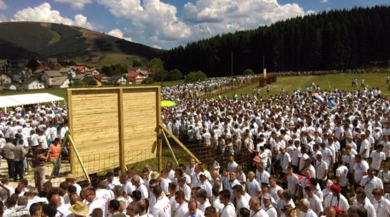 U Kupresu se okupilo više od 2.500 Ivana i oboren je Guinnessov rekord