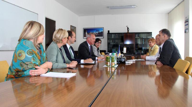Zamjenik ambasadorice SAD-a u BiH u posjeti Tužilaštvu TK: Borba protiv korupcije i kriminala