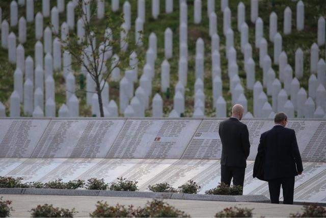 Prošle su 22 godine od genocida u Srebrenici, danas se klanja dženaza za još 71 žrtvu