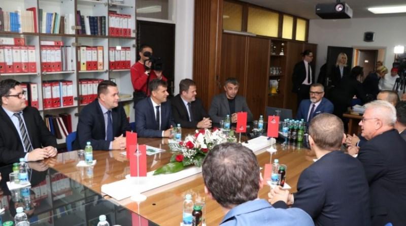 Novalić: Lukavačka fabrika cementa primjer uspješne privatizacije