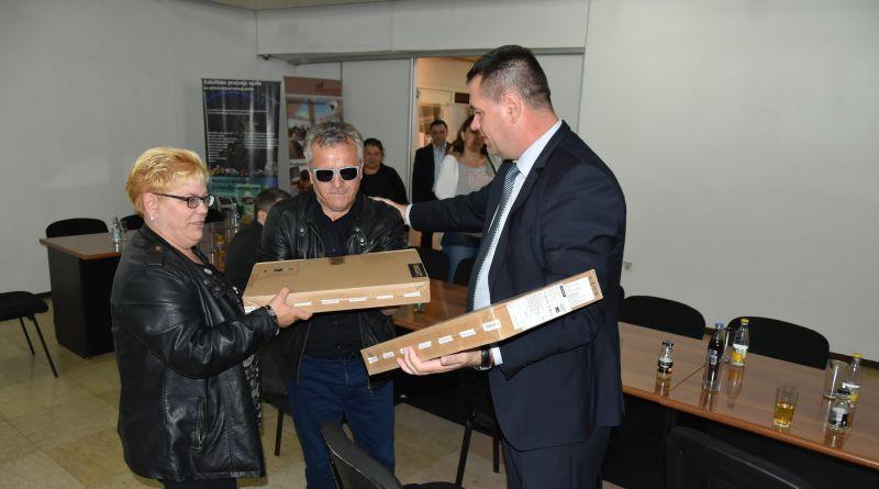 Vlada TK : Laptopi za 15 ratnih vojnih invalida