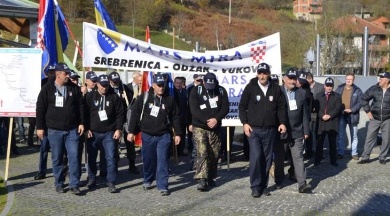 Učesnici Marša mira odali počast žrtvama Vukovara