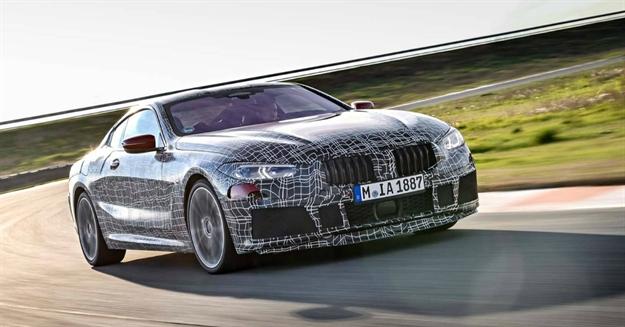 BMW serije 8 grize asfalt i najavljuje skori dolazak (VIDEO)