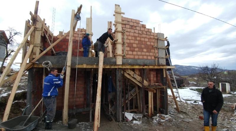 Komšije grade kuću Bajri i Muhamedu Hodžiću