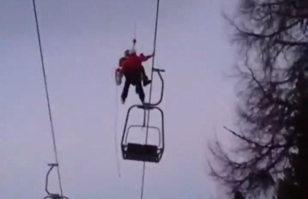 Austrija: Sa pokvarene žičare spašeno 150 skijaša (VIDEO)