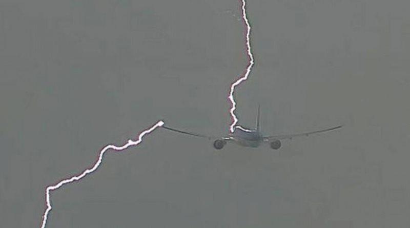 Grom udario u avion iznad Podgorice