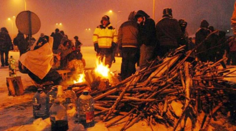 Protesti građana i dalje na petlji Šićki Brod