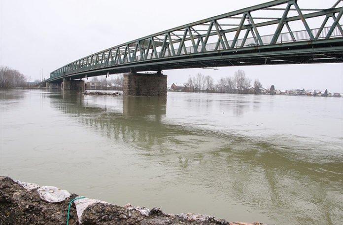 Sava u porastu u Bosanskom Brodu i Šamcu, opasnost od poplava i dalje prisutna
