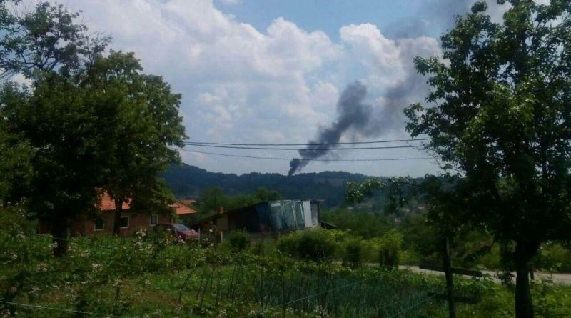 Požar na divljoj deponiji u Lipnici
