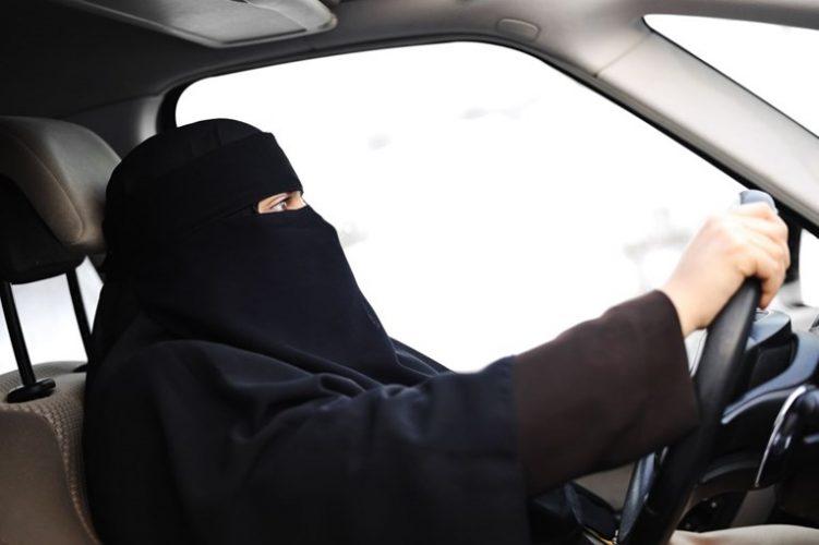 Žene u Saudijskoj Arabiji od danas smiju voziti