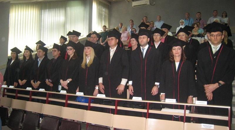 Danas u Tuzli promovisano 25 doktora nauka