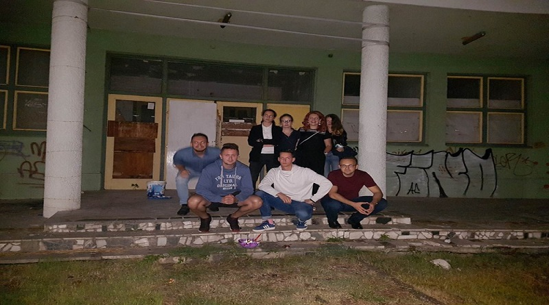 "Tuzla: Uklonjeni grafiti ""Nož, žica, Srebrenica"" te ""četiri S"""
