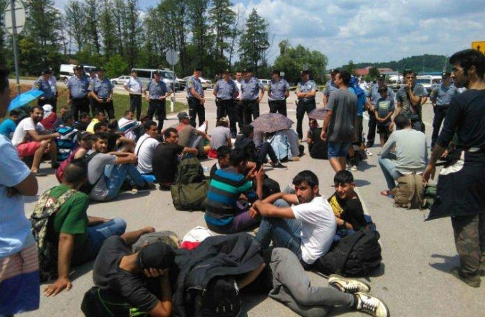 """Hoće li migranti ostati """"zarobljeni"""" u BiH?"""