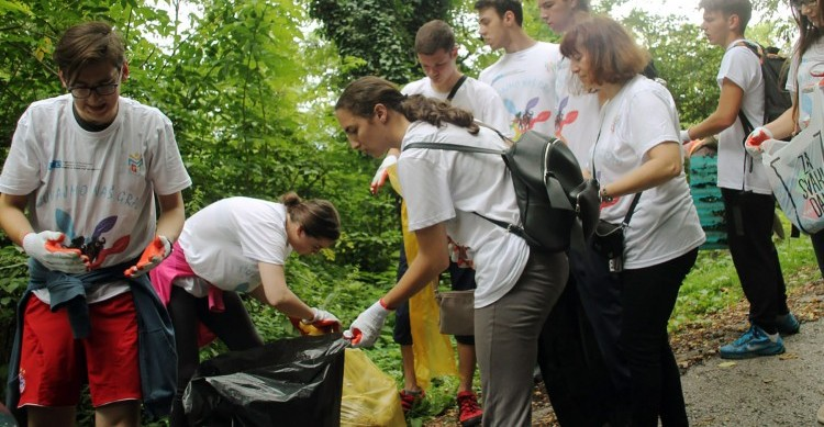 Misija OSCE-a u BiH organizovala čišćenje tuzlanskog izletišta Ilinčica