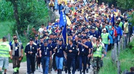 Marš mira: Više od 6.000 učesnika odaje počast žrtvama