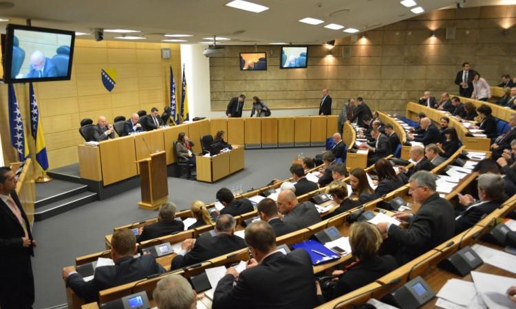 Političari u BiH rade sve da ne rade ništa