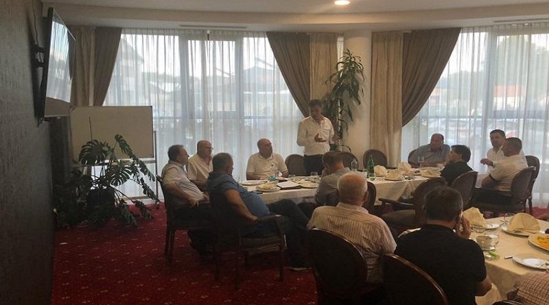 Premijer Novalić razgovarao s privrednicima u Živinicama