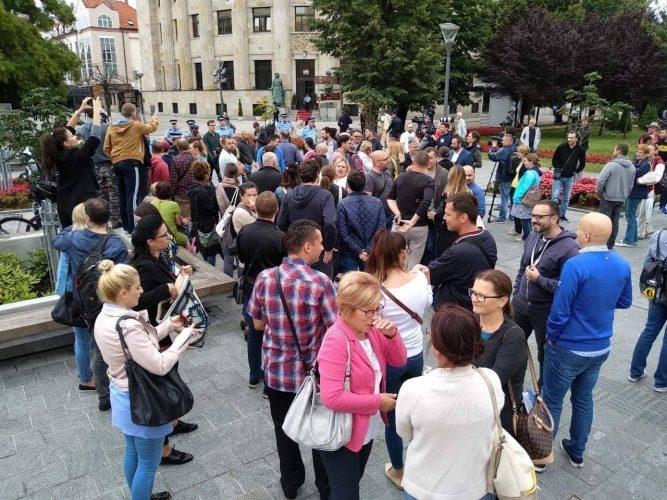Novinari protestovali ispred Palate predsjednika RS