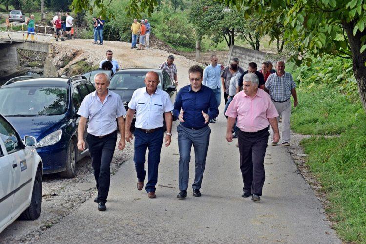 Delegacija Vlade TK obišla kritične tačke pogođene poplavom u Kalesiji