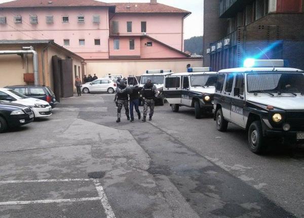 Uhapšena dvojica policajaca iz Tuzle