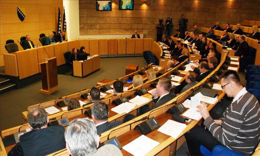 Izabrani delegati u Dom naroda samo iz tri kantona, Federaciji BiH prijeti finansijski kolaps