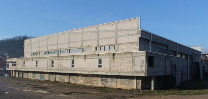 Privredno-kulturno-sportski centar u Gračanici gradi se već 21 godinu