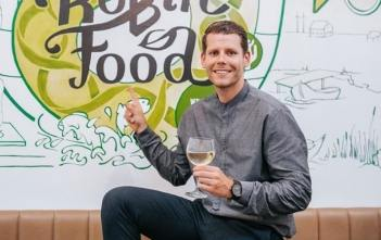Mladić iz BiH napravio aplikaciju 'Robin Food': Spaja one koji imaju previše hrane s onima koji je nemaju