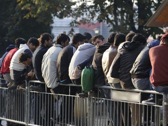 Migranti pretukli i opljačkali mladića u Banjaluci