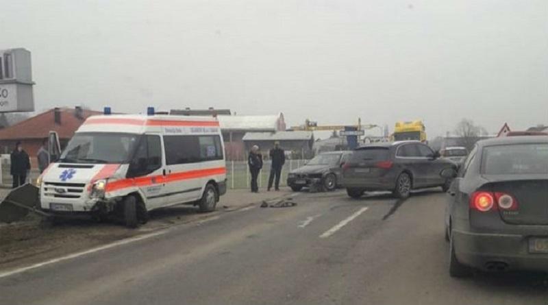 U saobraćajnoj nesreći učestvovalo i vozilo hitne pomoći