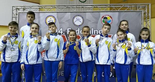 "Karatisti KBS ""Tuzla Sinbra"" osvojili 12 medalja na federalnom prvenstvu"