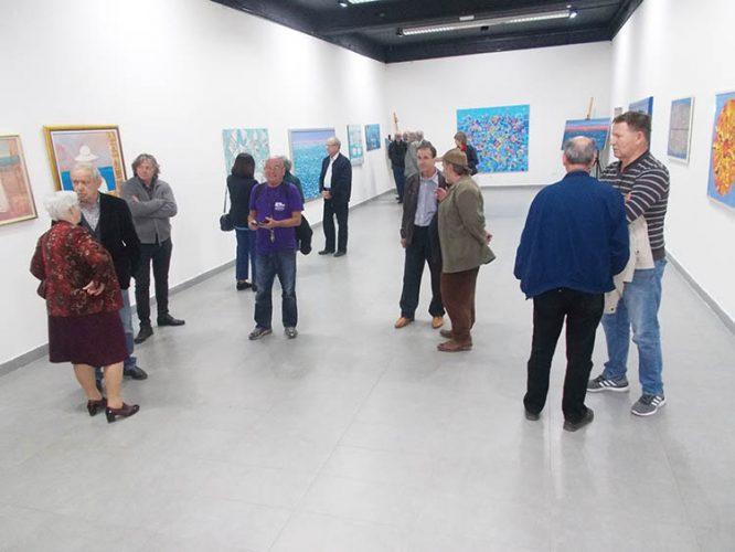 """U Galeriji """"GM"""" u Tuzli otvorena izložba slika Rusmira Salihbegovića"""