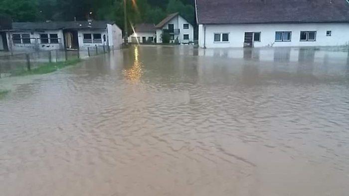 Poplave ipak zahvatile TK: U Orahovici i Banovići Selu najkritičnije