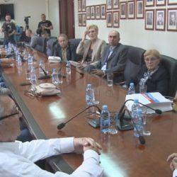 """Košarkašice KK """"Jedinstvo-Aida"""" na prijemu kod gradonačelnika Tuzle (VIDEO)"""