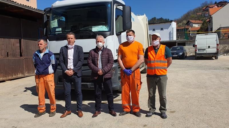 Gračanica: Kupljen novi kamion za JP Komus