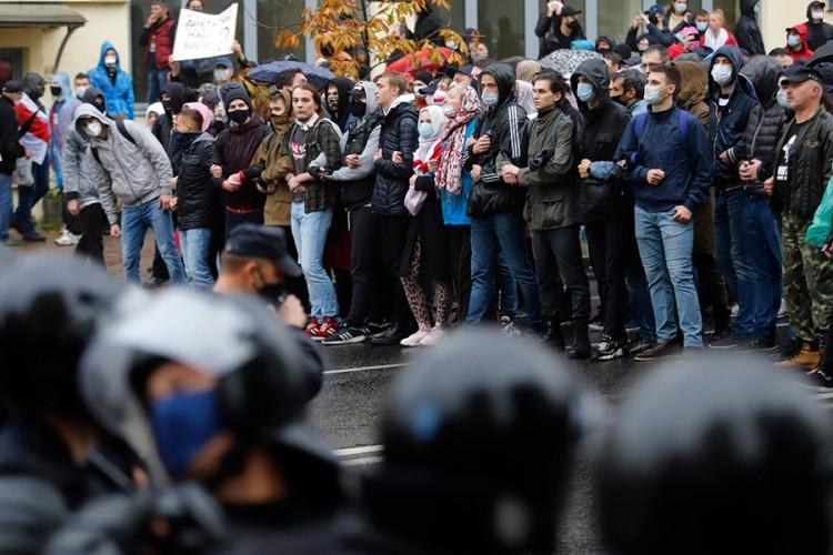 Protest u Minsku, uhapšene desetine ljudi