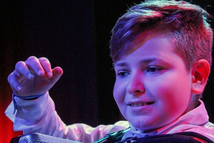 Desetogodišnji Đorđe Perić među pet najboljih harmonikaša svijeta