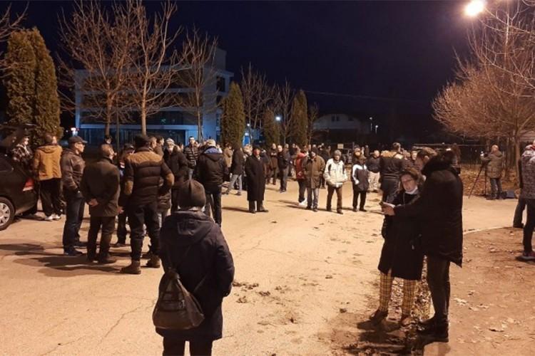 """Građani i policija ponovo spriječili ulazak migranta u """"Biru"""""""