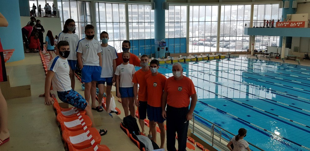 "Plivači PK ""Zmaj - Alpamm"" osvojili 16 medalja na Zimskom prvenstvu"