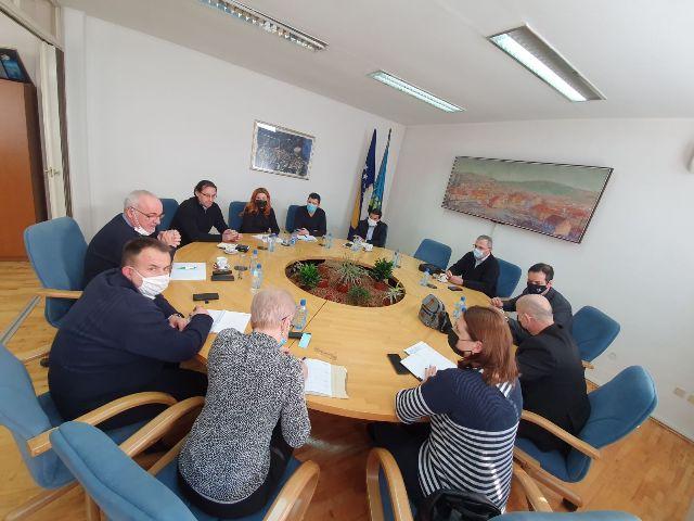 """U Kantonalnoj privrednoj komori Tuzla upriličen prvi radni sastanak """"Izgradnja standarda kvaliteta u obrazovanju odraslih"""""""