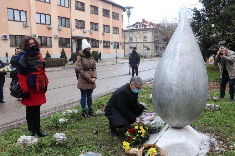 Obilježen Međunarodni dan sjećanja na žrtve holokausta u Tuzli