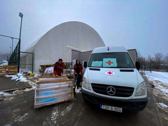 Crveni križ Federacije BiH dostavio humanitarnu pomoć Petrinji