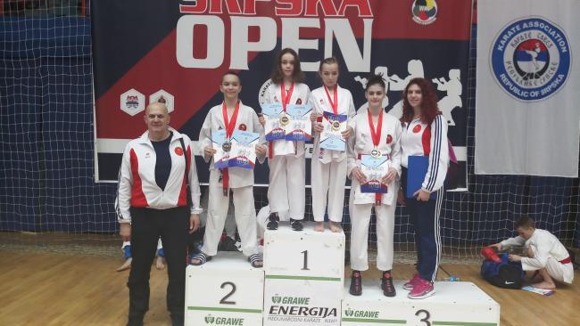 """Karate klub """"DO"""" Tuzla osvojio osam medalja na međunarodnom turniru"""