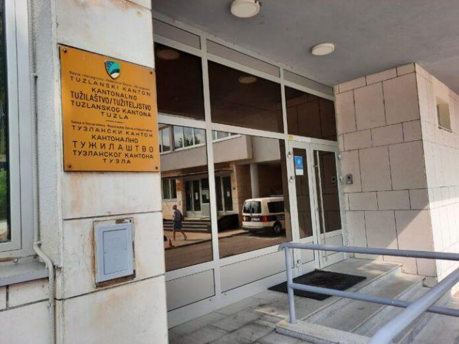 Određen jednomjesečni pritvor za tridesetdevetogodišnjaka iz Živinica zbog pokušaja ubistva